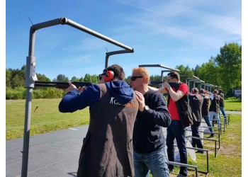 Pramoginis šaudymas į skrendančias lėkštes 2017-06-24!