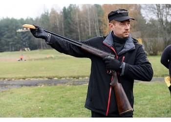Šaudymo į skrendančias lėkštes treniruotė